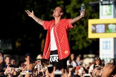 Justin Bieber's new hit is here, and resistance is futile: #justinbieber