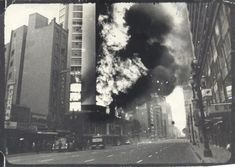Fotografia do Incendio no Edificio Andraus, em São Paulo, no ano de 1972. Mede 18 x 12 cm.http://www.leilaodeartebrasileira.com.br/