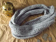 Lacy_grey_crocheted_cowl_and_free_pattern__kiku_corner_029_small2