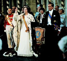 The Royal Order of Sartorial Splendor: Royal Splendor 101: Enthronement Outfits-Dutch Enthronement of Queen Beatrix, April 30, 1980
