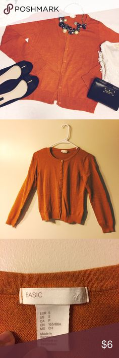 🛍H&M Rust Cardigan🛍 Like New! Never worn. Clothes SALE!!!  Step 1: Bundle any 5 clothes under $10. Step 2: Make an offer of $20. Step 3: Enjoy!  All clothes are in good to excellent condition. I assure you these are gently loved and have no holes and no stains. They show minimum to no signs of wear. Some are new with tags. They are carefully picked, packaged well and come from a smoke free, pet free home. I ship same day or next business day. H&M Sweaters Cardigans