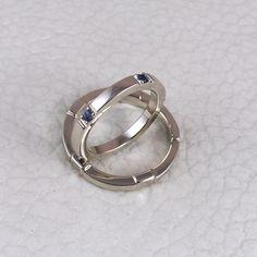 "Polubienia: 2, komentarze: 1 – Greg Skullptor Wojdak (@customrings.pl) na Instagramie: ""14K White Gold Wedding Rings with Ceylon Saffires #weddingring #jewellery #handmade #custom…"""