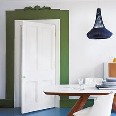 Modern dining room door frame - home Color Photos It's amazing what you can do with a lick of paint. This contemporary take on a dining room door frame has Dining Room Colors, Dining Room Design, Behind The Green Door, Minimalist Dining Room, Interior Decorating, Interior Design, Interior Doors, Room Doors, Painted Doors