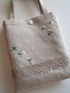 刺繍とレースのミニバッグ 2x