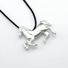 Unisex silver pendant inspired by the Parthenon monument. #horse #jewelry #gift #Greece #Parthenon