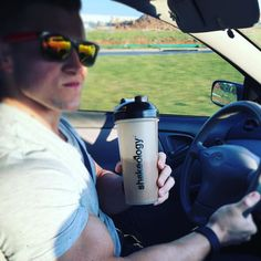 I drink ShakeO every morning. It's a non-negotiable for me. It's easy so there is no mess and it fits perfectly into my macros even six weeks out from my bodybuilding competition.  #roadtrip #morningprotein  #eatbigtogetbig