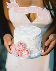 Link in bio to see the CUTEST way to celebrate your 1 year anniversary Photography by @asiapimentelphotography • • • Cake by @cake.studio.bavaro Stylist is @happy_people_wedding Florals by @sisayfloraldesign #cake #yum #yummy #baking #foodporn #chocolate #birthday #dessert #sweet #recipe #love #food #party #weddingparty #weddingcake #cakecakecake #anniversary #weddinganniversary #love #ideas #gift #happy #party #anniversaryparty #celebration #justmarried #weddingchicks #weddingblog