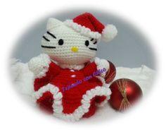 """Me apasiona Hello Kitty, tiene un """"no se que, que, que se yo""""…Son muchos los disfraces que nuestra gatita tiene en su armario, pero el de hoy es el de Mamá Noel…Tejer a hello kitty Noel puede ser un bonito regalo para las próximas navidades, tenerlo en cuenta y podéis empezar a"""