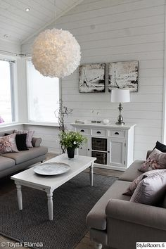 olohuone,valaisin,valkoinen,sohva,maalaisromanttinen Decor, Living Room, Furniture, Room, House, Homey, Home Decor, Room Inspiration, Coffee Table