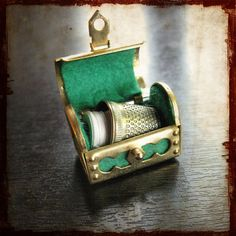 Antique French miniature pendant sewing kit in a green treasure case - Thimble #thimbles #thimble #sewing