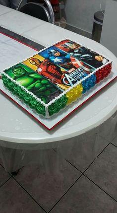 Avengers Birthday Cakes, Superhero Birthday Cake, Superhero Party, Boy Birthday, Batman Party, Birthday Ideas, Pastel Avengers, Avenger Cake, Birthday Party Decorations