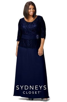 SC4020, Chic Plus Size Evening Gown Lace Sleeves
