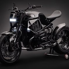 BMW R Nine T Cafe Racer Motorcycle builder : Mandrill Garage ─ Photographer : Carshadow Bagger Motorcycle, Cafe Racer Motorcycle, Cool Motorcycles, Motorcycle Design, Motorcycle Style, Motorcycle Accessories, Moto Cafe, Bmw Cafe Racer, Cafe Racers