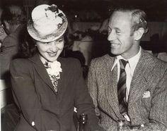 Olivia de Havilland and Leslie Howard