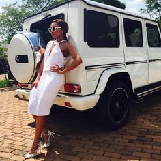 Just stumbled across this cool page for Bonang Matheba 👑 All White Outfit, White Outfits, Casual Outfits, White Dress, Top Celebrities, Amai, Black Girls Rock, Black Women Fashion, Woman Crush