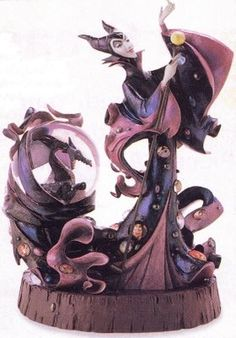 Disney Snowglobes Collectors Guide: Maleficent Figurine with Snowglobe: Awesome I want it Disney Maleficent, Disney Villains, Funko Pop, Water Globes, Snow Globes, Disney Love, Disney Art, Collection Disney, Disney Snowglobes