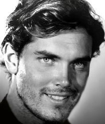 Actor Jeffrey Hunter, now THIS is just about my ideal-looking guy...his eyes were a gorgeous bright blue. I'm a sucker for blue eyes, but this guy had it all, IMHO. LOL