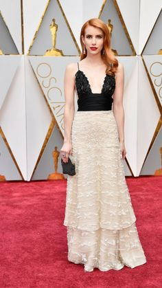Emma Roberts Walks the Oscars 2017 Red Carpet in Vintage Armani Prive: Photo Emma Roberts looks incredible at the 2017 Academy Awards held at the Dolby Theatre on Sunday (February in Hollywood. Oscars 2017 Red Carpet, Oscars Red Carpet Dresses, Oscar Verleihung, Oscar 2017, Alicia Vikander, Armani Prive, Jessica Biel, Celebrity Red Carpet, Celebrity Look
