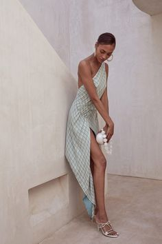 Minimal Fashion, High Fashion, Casual Dress Outfits, Fashion Outfits, Do It Yourself Fashion, Creation Couture, Trends, Look Cool, Dress To Impress
