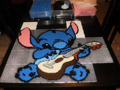Disney Stitch hama perler by creations-differente - skyrock You so have to make this Reba Hama Beads Disney, Diy Perler Beads, Perler Bead Art, Disney Diy, Disney Crafts, Lilo Y Stitch, Disney Stitch, Melty Bead Designs, Pixel Art