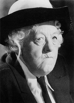 He's mudered by snuff... (1961)  Margaret Rutherford as Miss Jane Marple. De enige echte!