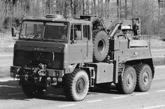 Oldtime Army tow wrecker  (UK)