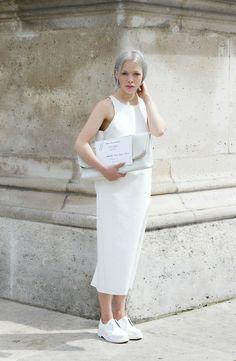 wearing to the Maison Martin Margiela haute couture show/love-aesthetics All White Outfit, White Outfits, Look Oxford, Girl Fashion, Fashion Outfits, Fashion Design, Womens Fashion, Fashion Trends, Black White Fashion