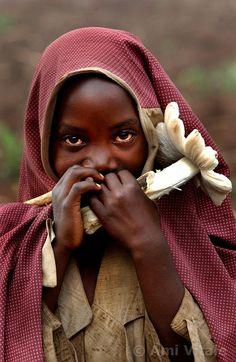 Rwanda girl (Photography by Amy Vitale)