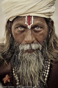 Top 10 Most Beautiful Portraits Of Blue Eyed People - People Photos - Ideas of People Photos - Sadhu India male intense blue eyes beard powerful face expression man portrait photo Famous Portrait Photographers, Famous Portraits, Famous Photos, Celebrity Portraits, Couple Portraits, Beautiful Eyes, Beautiful World, Beautiful People, Amazing Eyes