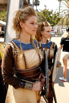 cosplay Viking woman