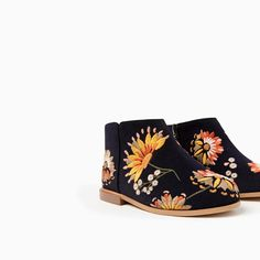 Image 6 of EMBROIDERED BOOTS from Zara