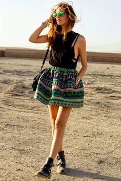 1000 images about jupe patineuse so beautiful on pinterest skater skirts midi skirts and. Black Bedroom Furniture Sets. Home Design Ideas