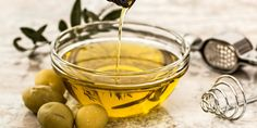 Olives are a bit of an acquired taste; however there are a lot of health benefits olives can provide us with. Olives are the true taste of the Mediterranean and have been linked to reducing the ris… Diet Ketogenik, Ketogenic Diet, Paleo Diet, Diet Menu, Med Diet, Paleo Meals, Paleo Food, Vegan Keto, Healthy Fats