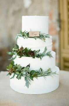 Create the ideal rustic winter wedding by adding fresh, seasonal greenery to your cake! We can recreate this look for you! www.creativeambianceevents.com Check out our winter wedding blog! http://www.creativeambianceevents.com/#!5-Reasons-Why-You-Shouldnt-Count-Out-Having-a-Winter-Wedding/c1oj1/57ab4b5a0cf2911bc51f261d