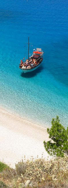 Karpathos Greece Santorini Greece, Mykonos, Wonderful Places, Beautiful Places, Karpathos Greece, Greek Blue, Island Life, Greece Travel, Beautiful Islands