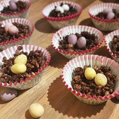 Slimming World Rice Krispie Egg Nests which are low syn. Slimming World Chocolate Cake, Slimming World Cookies, Slimming World Sweets, Slimming World Puddings, Slimming World Recipes, Sausage Tray Bake, Brownie Recipes, Dessert Recipes, Pink Foods