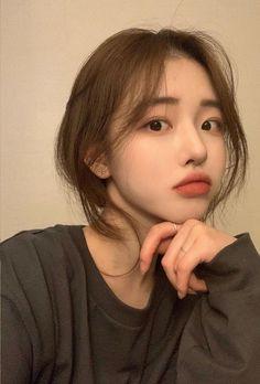 Korean Beauty Girls, Pretty Korean Girls, Cute Korean Girl, Korean Men Hairstyle, Korean Short Hair, Korean Makeup Look, Asian Makeup, Korean Natural Makeup, Medium Hairstyles