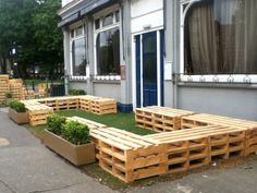 Pallet seating, The Star Hackney Downs, London E5