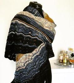 Månafoss Wrap by HELLE SLENTE DESIGN | beautifully knit by Tove Mette Eide | lace knitting pattern
