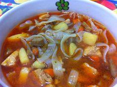 Zuppa orientale con noodles di riso  ricetta di @ricette di Matilde Chili, Soup, Chilis, Soups, Soup Appetizers, Chile