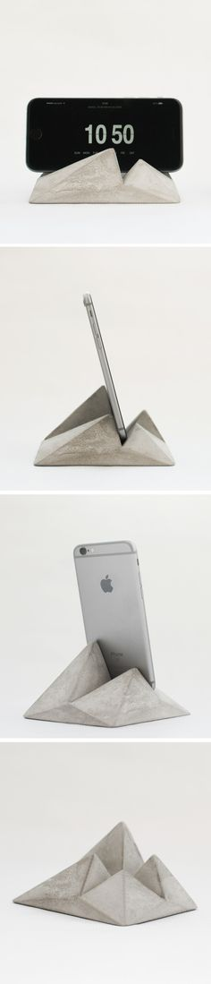Phone Stand is something important to us. DIY phone stand can make you easily for filming something without tripod Concrete Cement, Concrete Furniture, Concrete Crafts, Concrete Projects, Concrete Design, Concrete Planters, Diy Projects, Phone Stand For Desk, Paperclay
