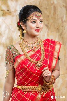 Beautiful Bridal Blouse Designs for South India - Indian Fashion Ideas | Indian Fashion Ideas Classy Photography, Indian Wedding Photography Poses, Fashion Photography, Hair Magazine, Indian Bridal Fashion, Bridal Blouse Designs, Beautiful Girl Photo, Beautiful Pictures, Beautiful Women