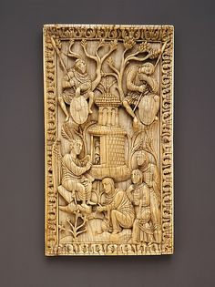 Plaque with the Holy Women at the Sepulchre -  early 10th century. Made in Milan (?), Italy North Italian Elephant ivory   #TuscanyAgriturismoGiratola