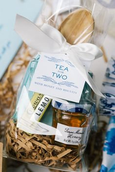 Tea for two favor bag: http://www.stylemepretty.com/little-black-book-blog/2016/04/22/this-sapphire-ring-kicked-off-one-beautiful-blue-party/   Photography: Katie Stoops - http://katiestoops.com/