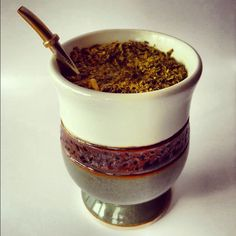 Yerba Mate Cup (possibly have local potter handmake mate mugs) Argentina Culture, Yerba Mate Tea, Types Of Tea, Sugar And Spice, Gourds, Patagonia, Tea Time, Coffee Shop, Tea Party
