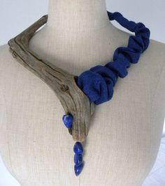 collier bois flotté, soie sauvage indigo, lapis lazuli  by Eliane Amalric --- galerie créations 1 - Site de elianeamalric !