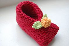 """Baby booties, stitched and folded from 6"""" garter stitch squares. Free tutorial by Susan B. Anderson"""