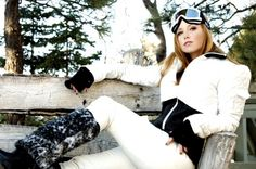 With names like Rocky Road Ski Suit, Gumdrop Coat and Hoodie-a-la-Mode, this sweet new ski brand takes femininity to another level. #ski #Fashion Fall Winter Outfits, Winter Wear, Autumn Winter Fashion, Chalet Girl, Ski Bunnies, Snow Fashion, Fashion Fashion, Snowboarding Style, Alpine Style