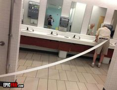 wiping-fail-toilet-paper-bathroom