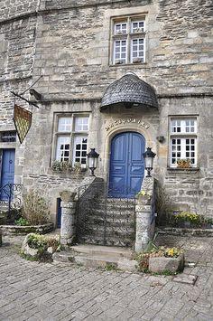 Le Graal des chineurs ~  Rochefort-en-Terre, un des plus beaux villages de France Morbihan, Bretagne.
